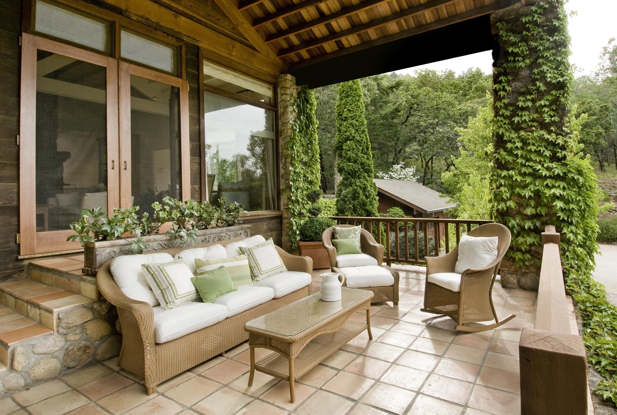 5 Mediterranean Patio Ideas To Create An Enchanting Backyard